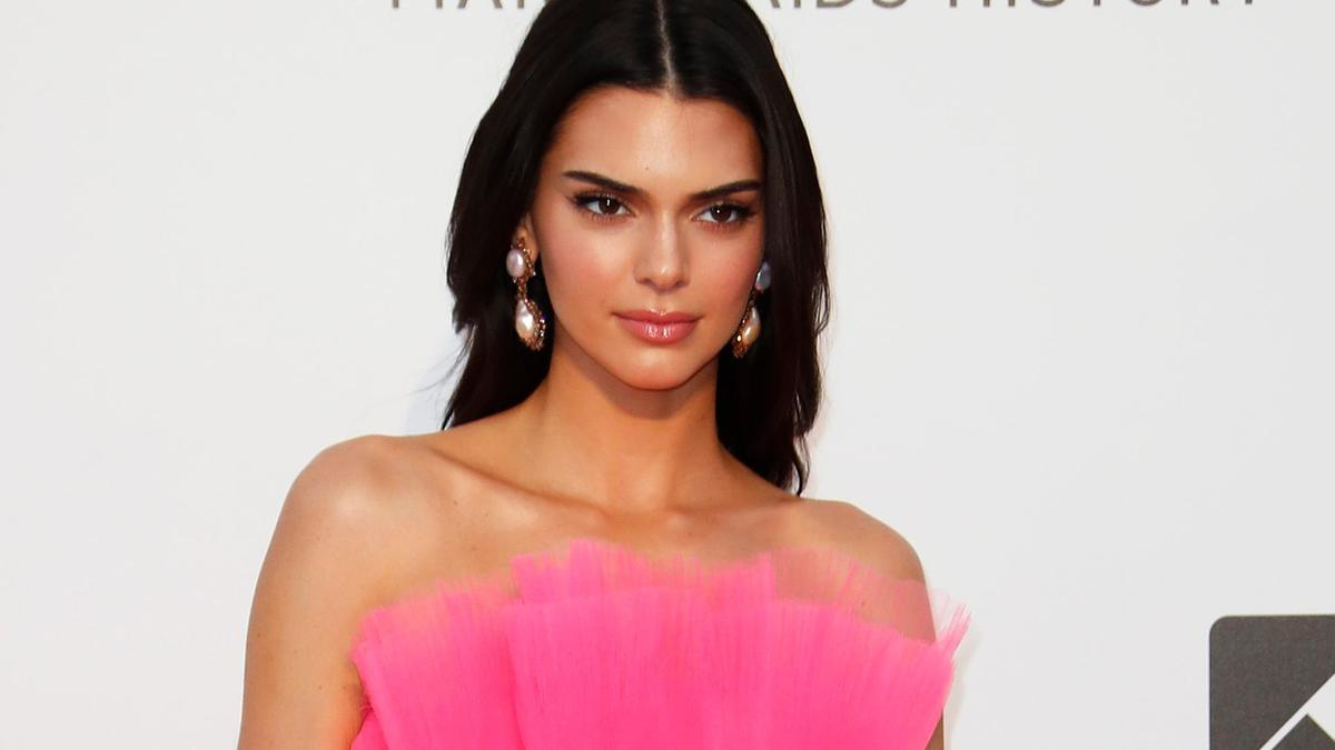 'FYRE FESTIVAL':  KENDALL JENNER AND EMILY RATAJKOWSKI 'SUED' FOR PROMOTING THE EVENT