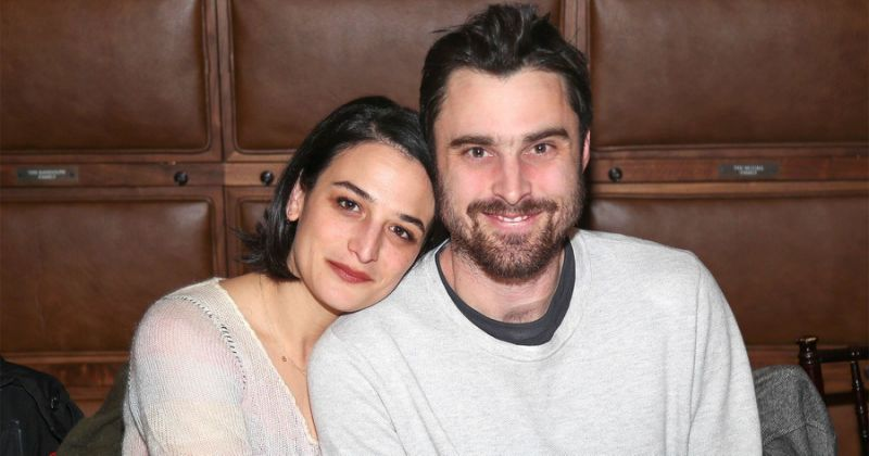 Venom Star Jenny Slate Gets Engaged To Boyfriend Ben Shattuck, 'I Screamed Yes'__