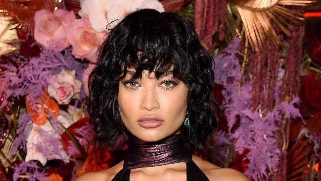 Victoria Secret Model Shanina Shaik accused of Photoshopping Instagram photo