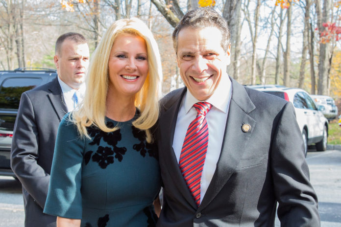 Lifestyle Icon Sandra Lee split from New York Gov. Andrew Cuomo After 14 Years of Relationship