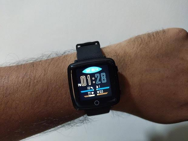 Lenovo Carme smartwatch review: Loaded with features like 24-Hour Heart Rate Monitor,  IPS colour display and is easy on pocket