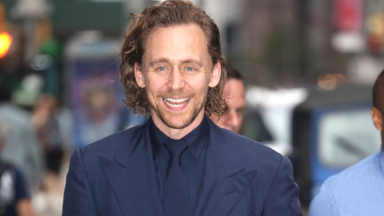 Tom Hiddleston With Stephen Colbert' Appearance!  Suits Up For 'Late Show'