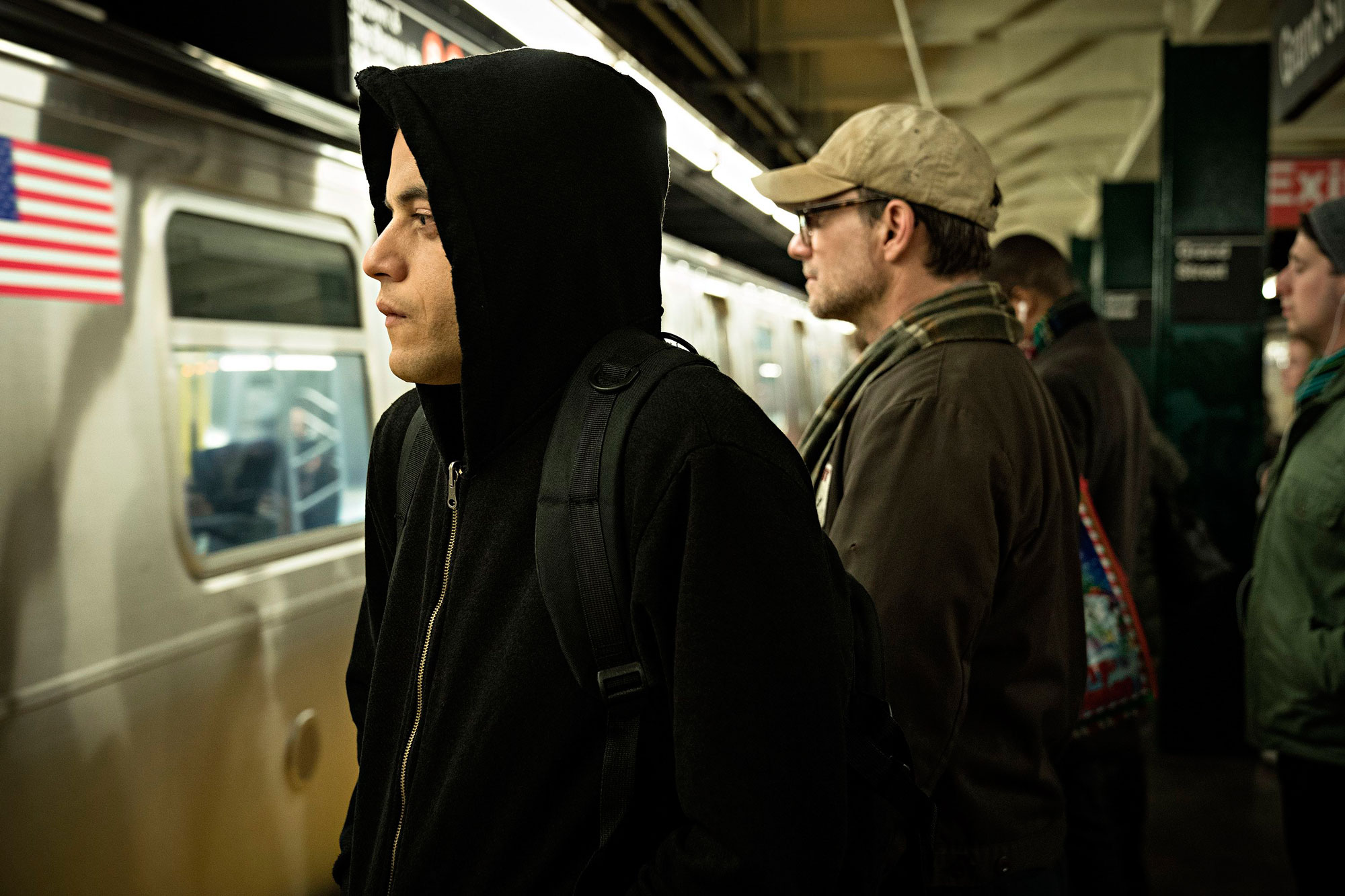 """""""Mr. Robot""""- Beggining of Tense and dark endgame with its final season premiere"""