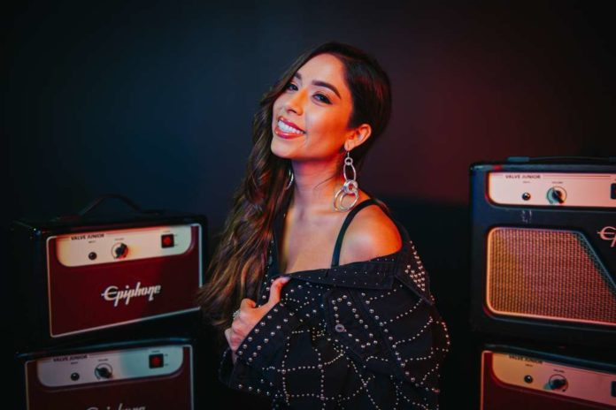 Virginia Stille- A Houston singer competes to be 'Queen of the Song'