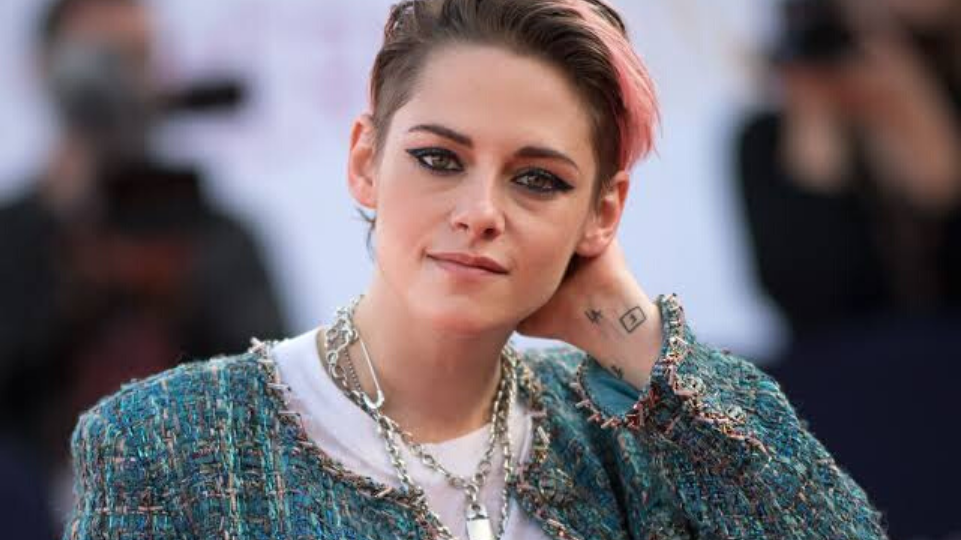 Kristen Stewart's Life Coaching Advice Includes Pottery Classes and More Important topics