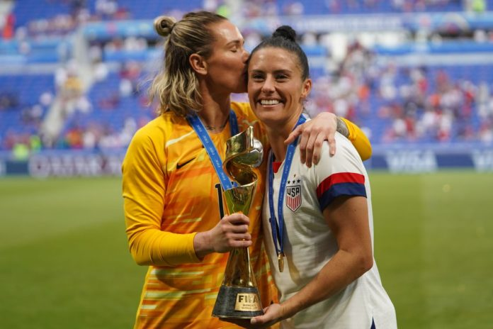 USWNT players Ashlyn Harris and Ali Krieger finally Hitched