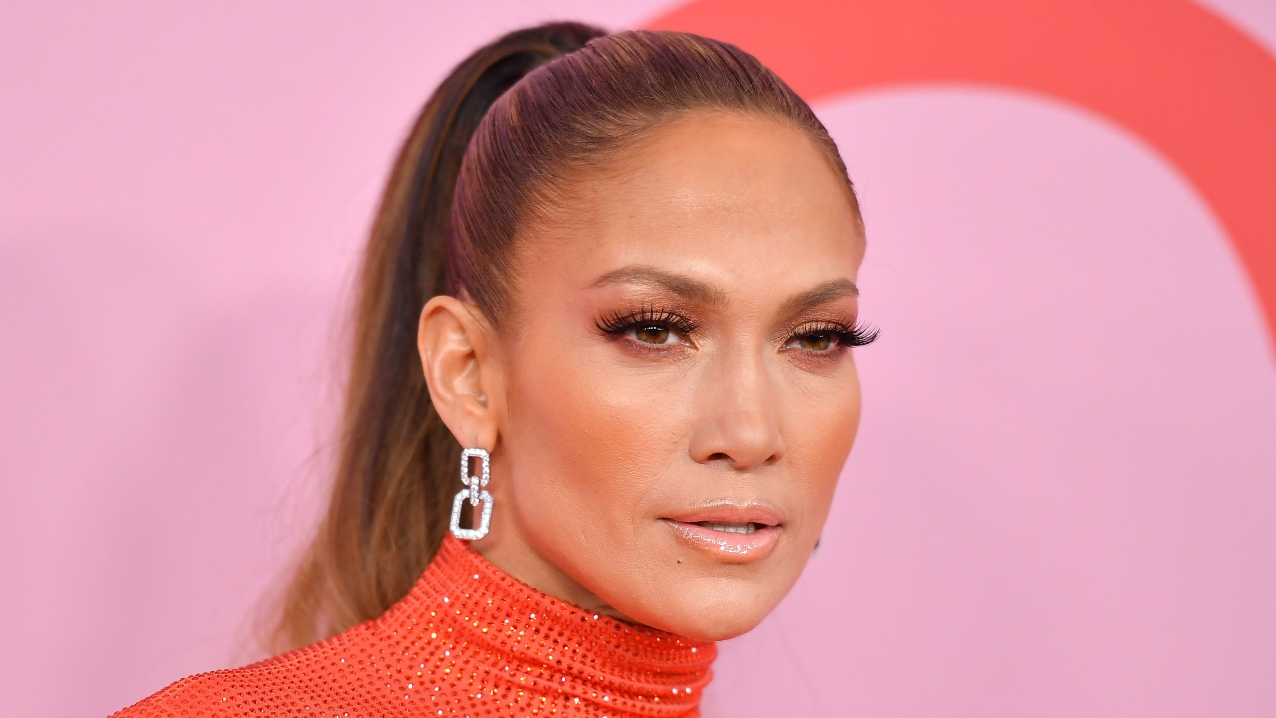 Jennifer Lopez Invited Ruth Bader Ginsburg to Her Concert to make it more attractive!