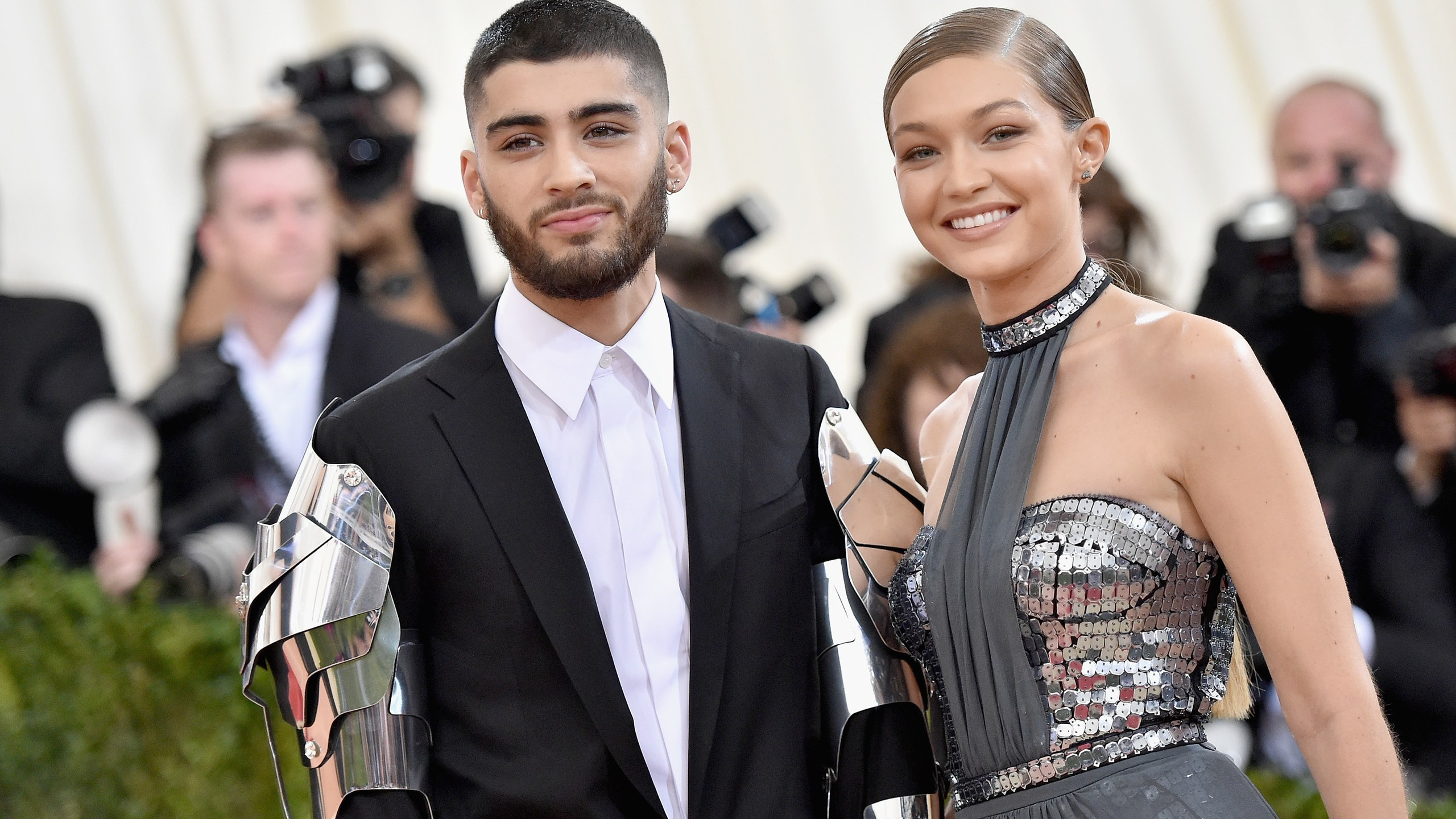Gigi Hadid flashes sentiment with Zayn Malik after obscure Insta post