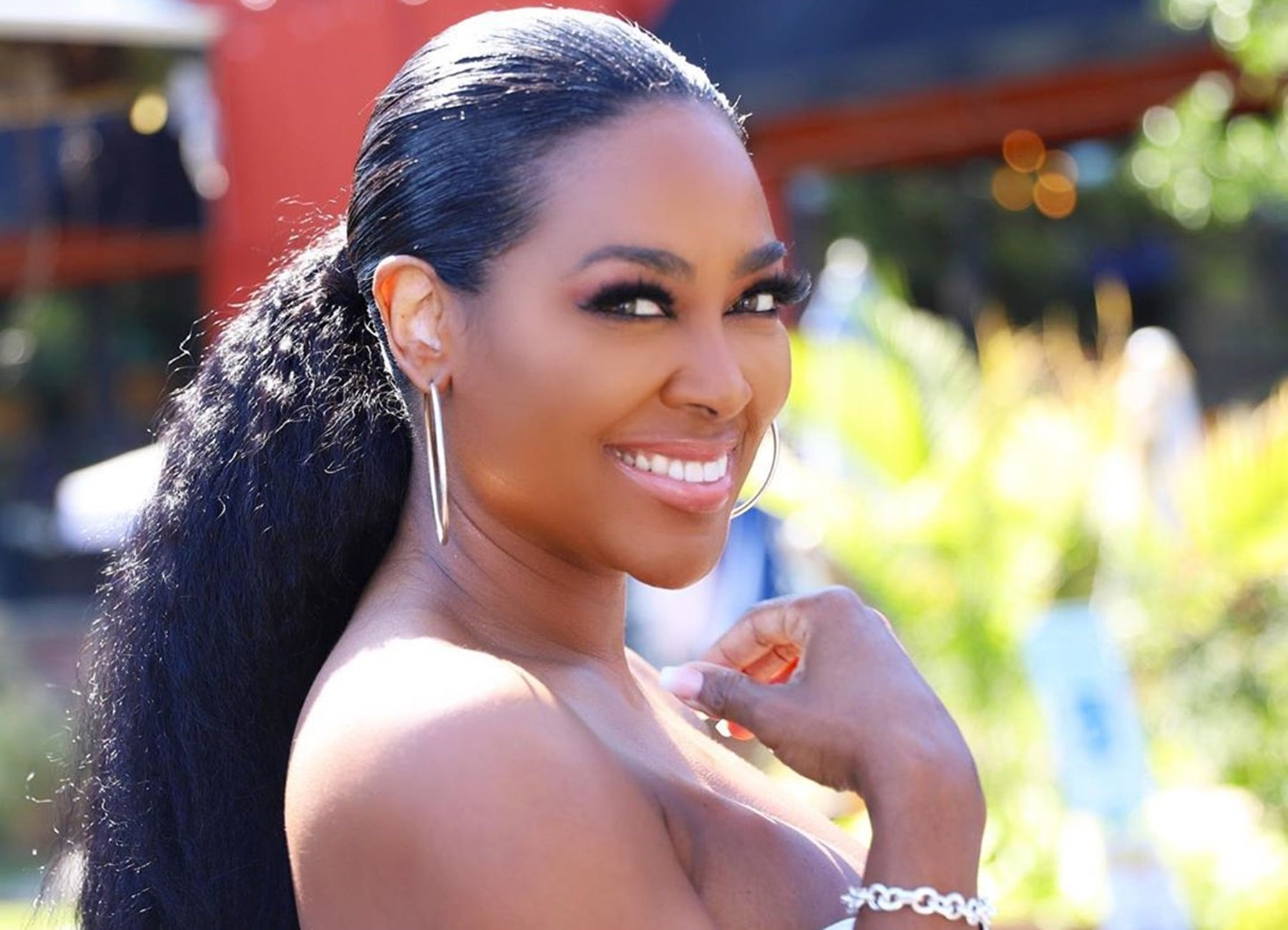 Kenya Moore satisfies fans with an astonishment for Christmas