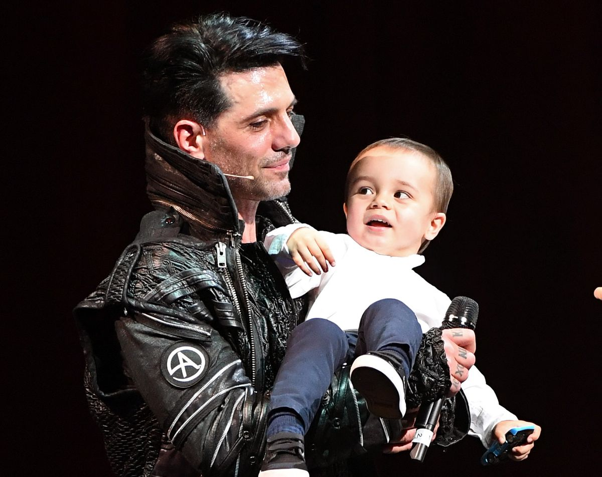 Criss Angel shaves 5-year-old child's head in the midst of cancer Treatment