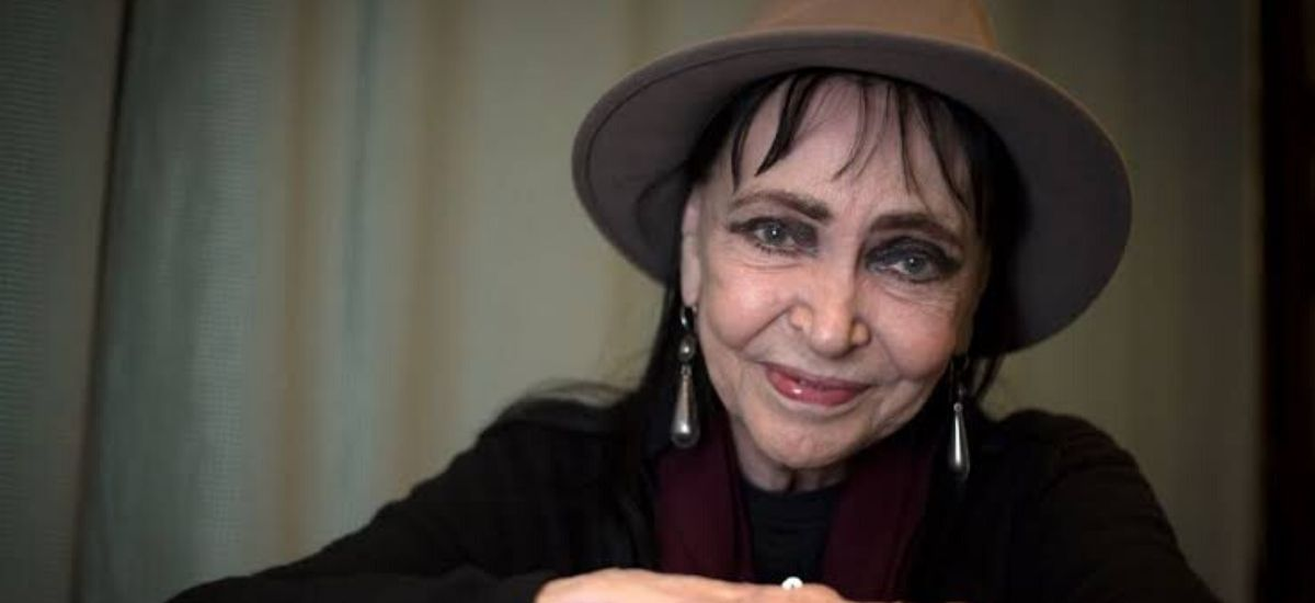 "Anna Karina, the Danish star of exemplary French New Wave movies of the 1960s, for example, ""A Woman Is a Woman"" and ""Alphaville,"" kicked the bucket on Saturday at age 79. Her operator, Laurent Balandras, tweeted that she kicked the bucket of malignant growth. ""Today, French film has been stranded,"" Franck Riester, France's way of life serve, wrote in his very own tweet. ""It has lost one of its legends."" Karina handled her first film job as a young person in Jean-Luc Godard's ""The Little Soldier,"" a show about the French-Algerian War that was shot in 1960 yet not discharged until three years after the fact because of restriction issues. In 1961, she won the best on-screen character grant at the Berlin Film Festival for her work playing a French striptease craftsman in Godard's 1961 film ""A Woman Is a Woman."" At that point, she had likewise hitched Godard — with whom she kept on taking a shot at great New Wave movies, for example, ""My Live to Live,"" ""Band of Outsiders,"" ""Pierrot le Fou"" and ""Alphaville."" After their separation in 1967, Karina proceeded to act three dozen different movies, and even took a stab at coordinating with 1973's ""Vivre Ensemble,"" about the violent, oppressive connection between a young lady and a history instructor. Karina was likewise an artist and author, recording a collection and composing four books during her vocation.Anna Karina, the Danish star of exemplary French New Wave movies of the 1960s, for example, ""A Woman Is a Woman"" and ""Alphaville,"" kicked the bucket on Saturday at age 79. Her operator, Laurent Balandras, tweeted that she kicked the bucket of malignant growth. ""Today, French film has been stranded,"" Franck Riester, France's way of life serve, wrote in his very own tweet. ""It has lost one of its legends."" Karina handled her first film job as a young person in Jean-Luc Godard's ""The Little Soldier,"" a show about the French-Algerian War that was shot in 1960 yet not discharged until three years after the fact because of restriction issues. In 1961, she won the best on-screen character grant at the Berlin Film Festival for her work playing a French striptease craftsman in Godard's 1961 film ""A Woman Is a Woman."" At that point, she had likewise hitched Godard — with whom she kept on taking a shot at great New Wave movies, for example, ""My Live to Live,"" ""Band of Outsiders,"" ""Pierrot le Fou"" and ""Alphaville."" After their separation in 1967, Karina proceeded to act three dozen different movies, and even took a stab at coordinating with 1973's ""Vivre Ensemble,"" about the violent, oppressive connection between a young lady and a history instructor. Karina was likewise an artist and author, recording a collection and composing four books during her vocation."