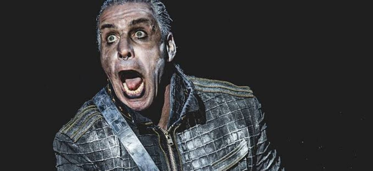 Flying Over Los angeles is a Rammstein Blimp see all the details.