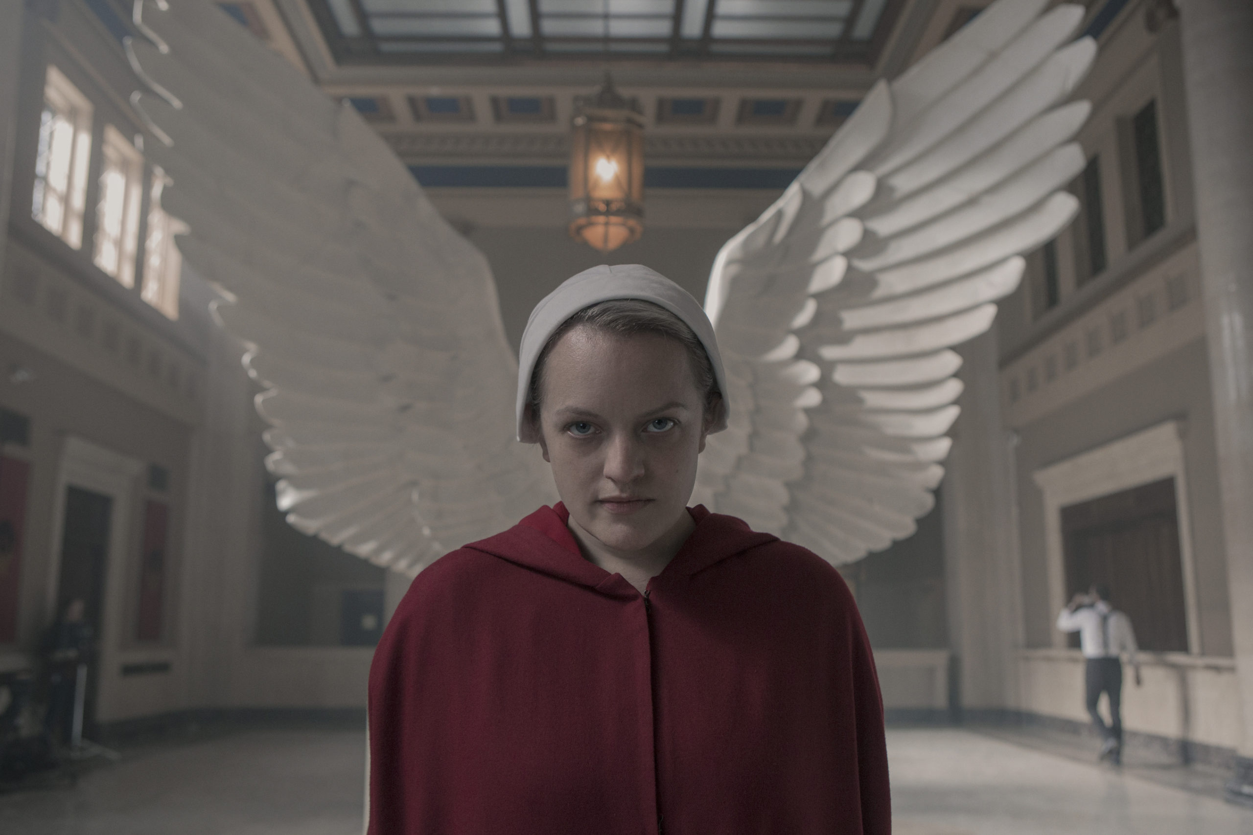 """Hulu: """"The Handmaid's Tale"""" Season 4: June (Elisabeth Moss) Will Not Make It to Canada - See Why"""