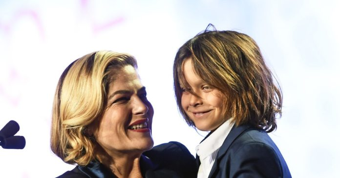 TOPIC: Selma Blair candid about MS battle in an Instagram post, surprises fans