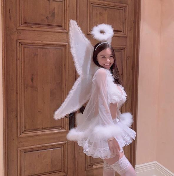 Sophie angel look