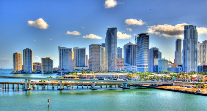 Florida Reopens Businesses With No Significant Drop in COVID-19 Cases