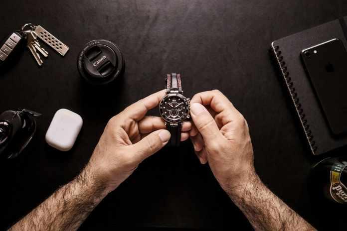 Luxurious and Elegant Cartier Santos