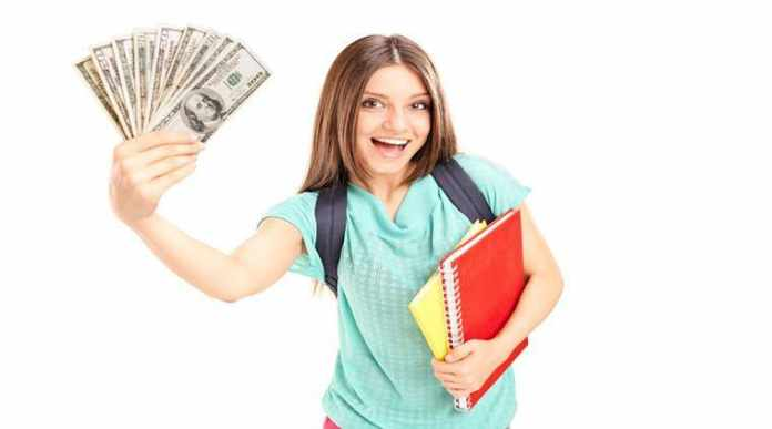 student can make money while studying